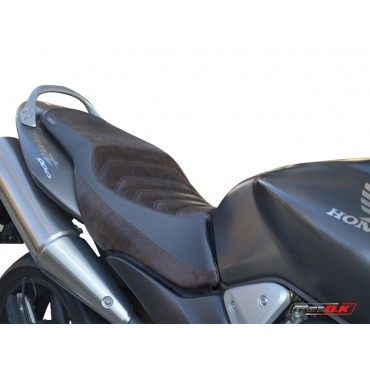 Genuine leather seat cover combined with Silvertex for Honda CB 900 HORNET ('04)